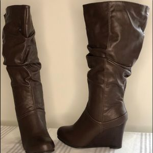 Journee Collection WIDE CALF Wedge  Boot